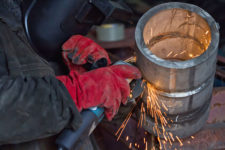 Conoce cómo reducir el riesgo al soldar acero inoxidable